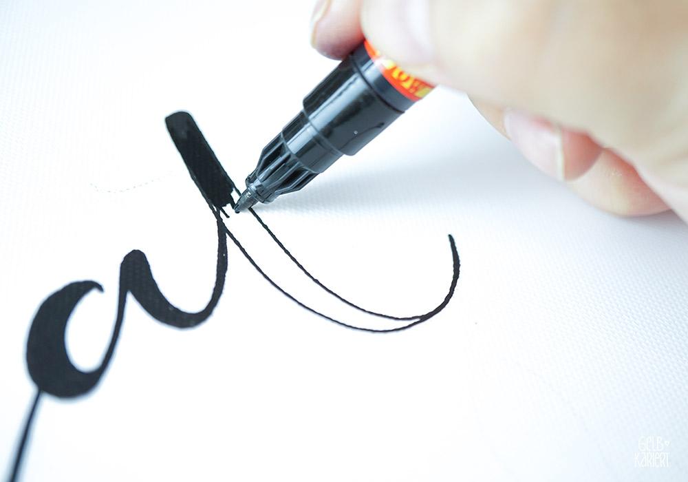 Lettering auf Keilrahmen, MH&P Keilrahmen, For Markers Keilrahmen, Handlettering auf Keilrahmen, Gouache Lettering, Acryl Handlettering, Lettering mit Acrylmarker, XMAS Lettering, Gelbkariert Blog