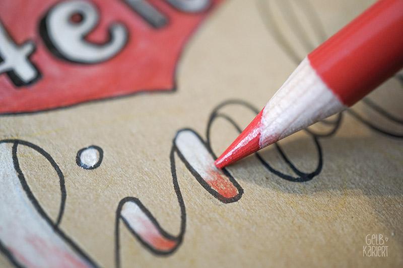 Lettering auf ein Notizheft übertragen; DIY Anleitung für Handlettering auf Kraftpapier mit Fineliner und Buntstiften, plus Printable, ein Lettering entwerfen für Anfänger., Gelbkariert Blog